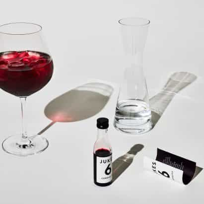 """Barber y Osgerby crea diseño de envases para """"cordial adultos"""""""