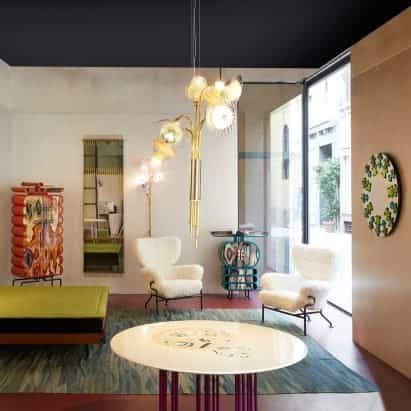La exposición Ornate de Bethan Laura Wood presenta muebles informados por tocador