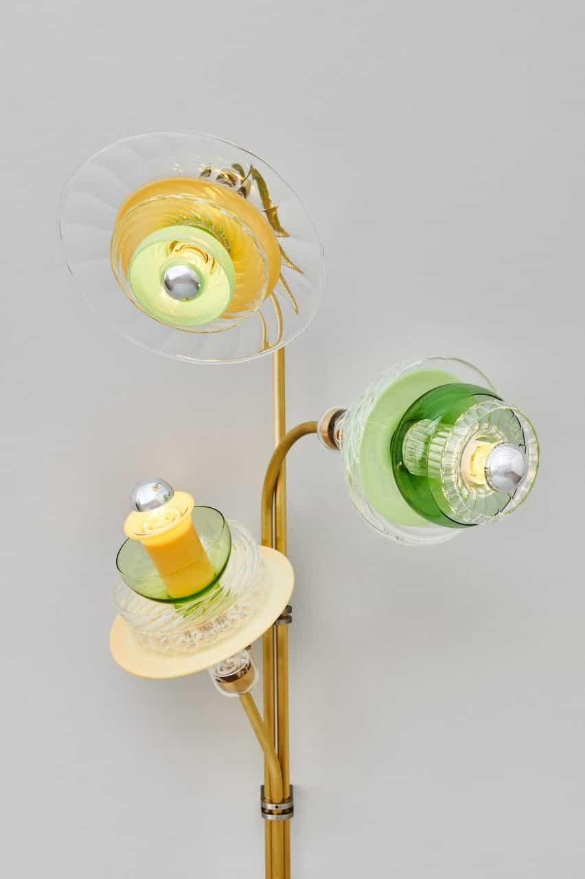 Lámpara de vidrio coloreado