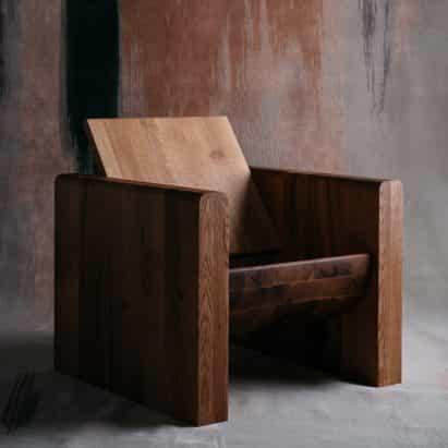 Odami crea una colección de mobiliario de un árbol moribundo