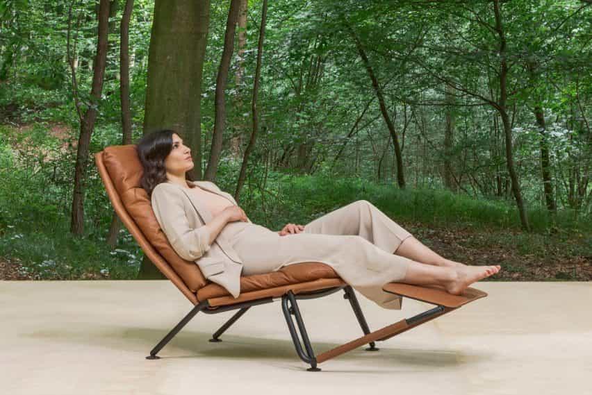 La silla en una versión de cuero