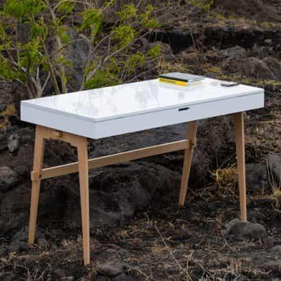 Enrique Tovar diseña escritorio portátil Nómada para trabajar fuera de la oficina