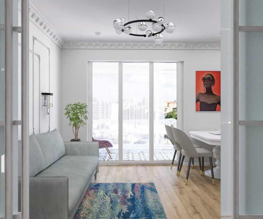 Interior con paredes blancas y productos neutros