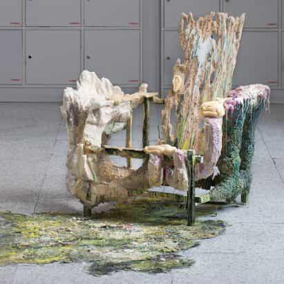 La metamorfosis de los muebles Tadeas Podracký rechaza el diseño de producción masiva
