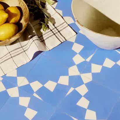 colección de azulejos artesanales por Bert y mayo