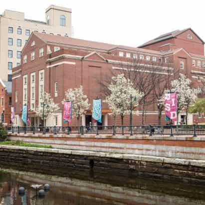 "RISD presidente anuncia un plan para hacer frente a múltiples problemas ""racistas"" de la escuela"