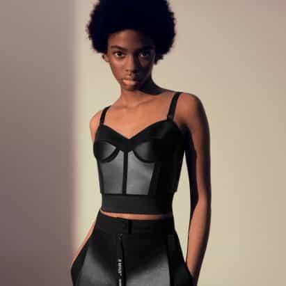 """Stella McCartney crea ropa de cuero de micelio para fomentar una """"industria de la moda más amable"""""""