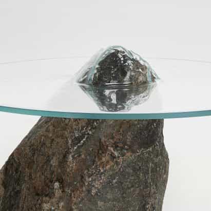 muebles Slump de Pablo Cocksedge está dotada de cristales presiona sobre rocas