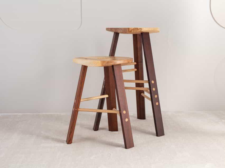 La tienda de cable de heces de la colección de Jan Hendzel estudio hizo uso de la madera dura británica