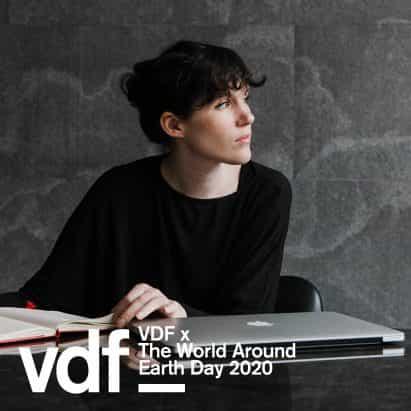 entrevista en vídeo en directo con el mundo alrededor curadora Beatriz Galilea