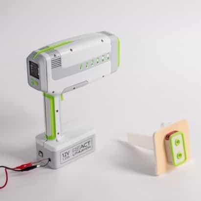 Dispositivo para reducir la pérdida de sangre por heridas de cuchillo nombrado ganador del premio James Dyson en el Reino Unido