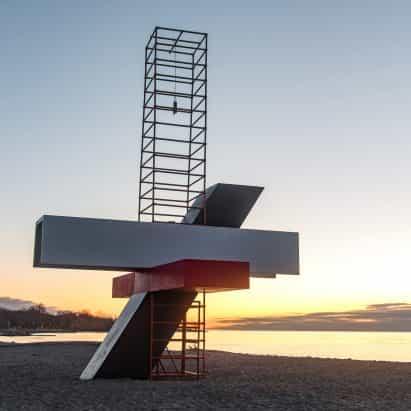 Las instalaciones interactivas incorporadas en la playa de Toronto para las estaciones de invierno anuales ciudad