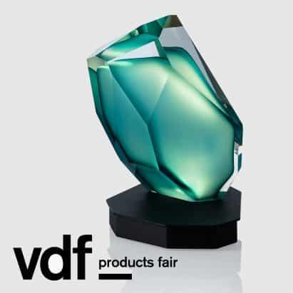 colección Lasvit en VDF productos feria cuenta lámpara de mesa inspirado en Kryptonite