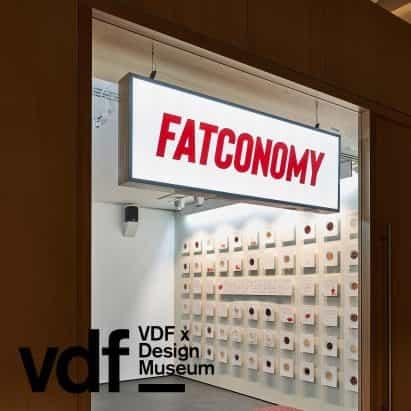 Robert Johnson describe cómo utilizar la grasa de residuos como material sostenible en charla de VDF y Museo del Diseño