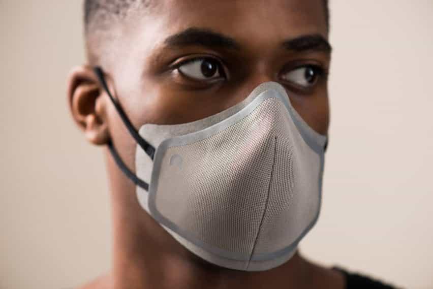 Máscara facial por capa