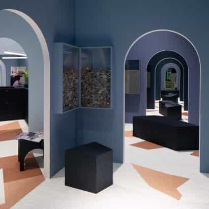 Snarkitecture crea laberíntico soporte para Bolon en Estocolmo Feria del Mueble