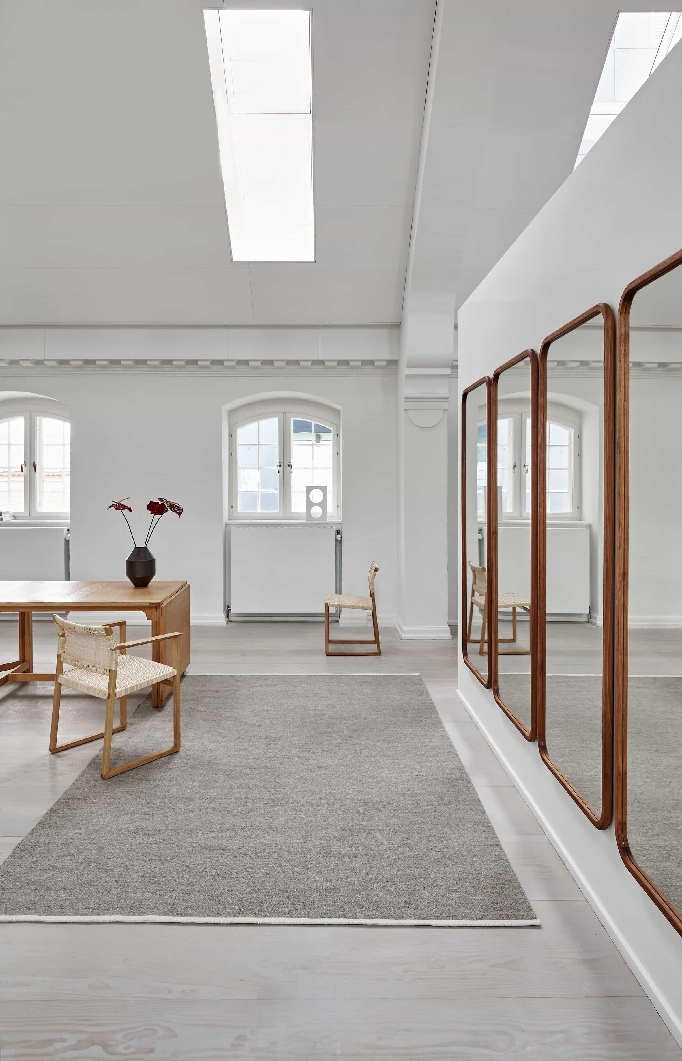 Una fotografía de la alfombra Escape Kelim de Space Copenhagen para Massimo Copenhagen
