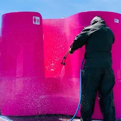diseñadores urinario al aire libre ofrecen soluciones a un problema baño público pandemia