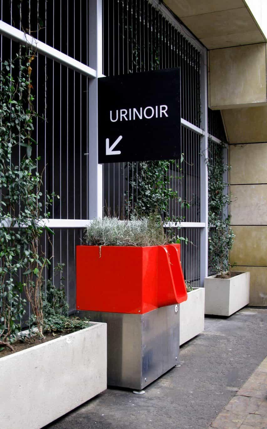 Urinarios en el histórico centro de causa alboroto de París