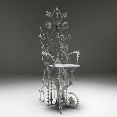 """colección de muebles ornamentum está decorado """"hasta el punto de ser no funcional"""""""