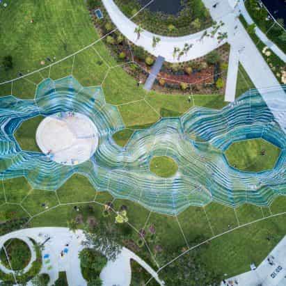 Janet ECHELMAN instala la escultura tejida en Florida en honor movimiento de derechos civiles