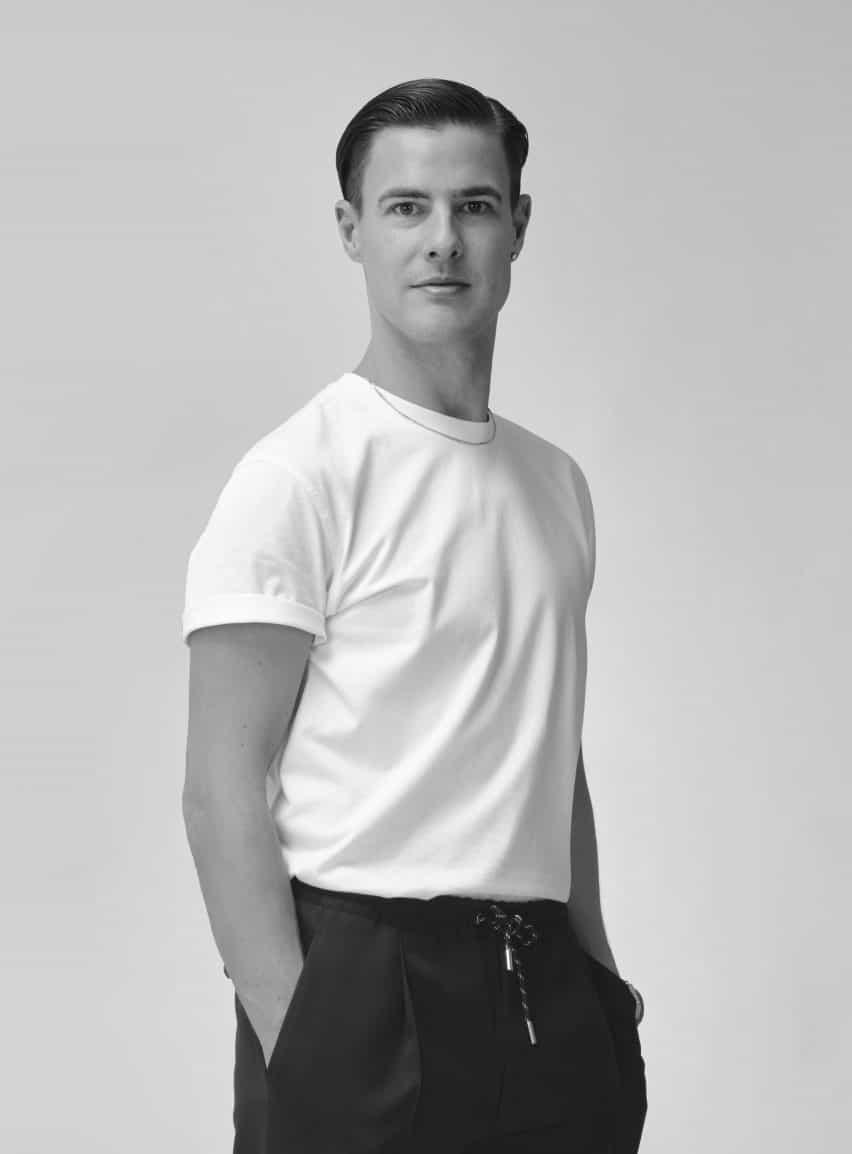 Lee Broom es un diseñador de productos británico que produce muebles, accesorios e iluminación bajo la marca Lee Broom
