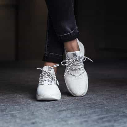 1L11 entrenador de norma produce el 80 por ciento menos carbono que los zapatos típicos