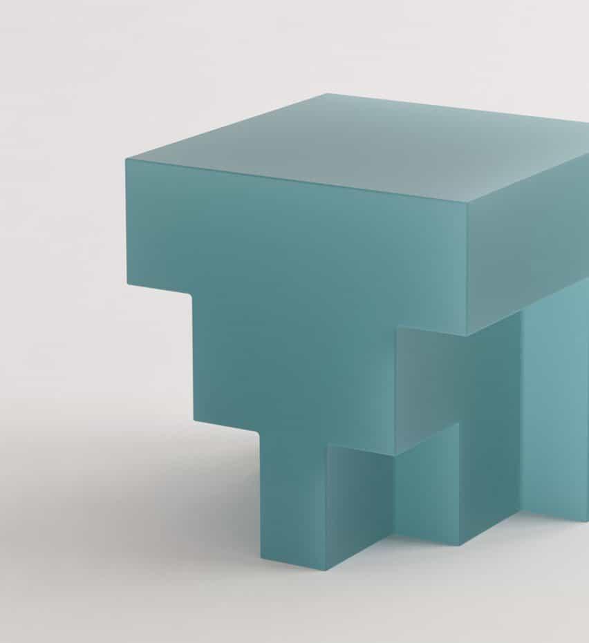 Niko Koronis diseña la colección G de muebles de resina