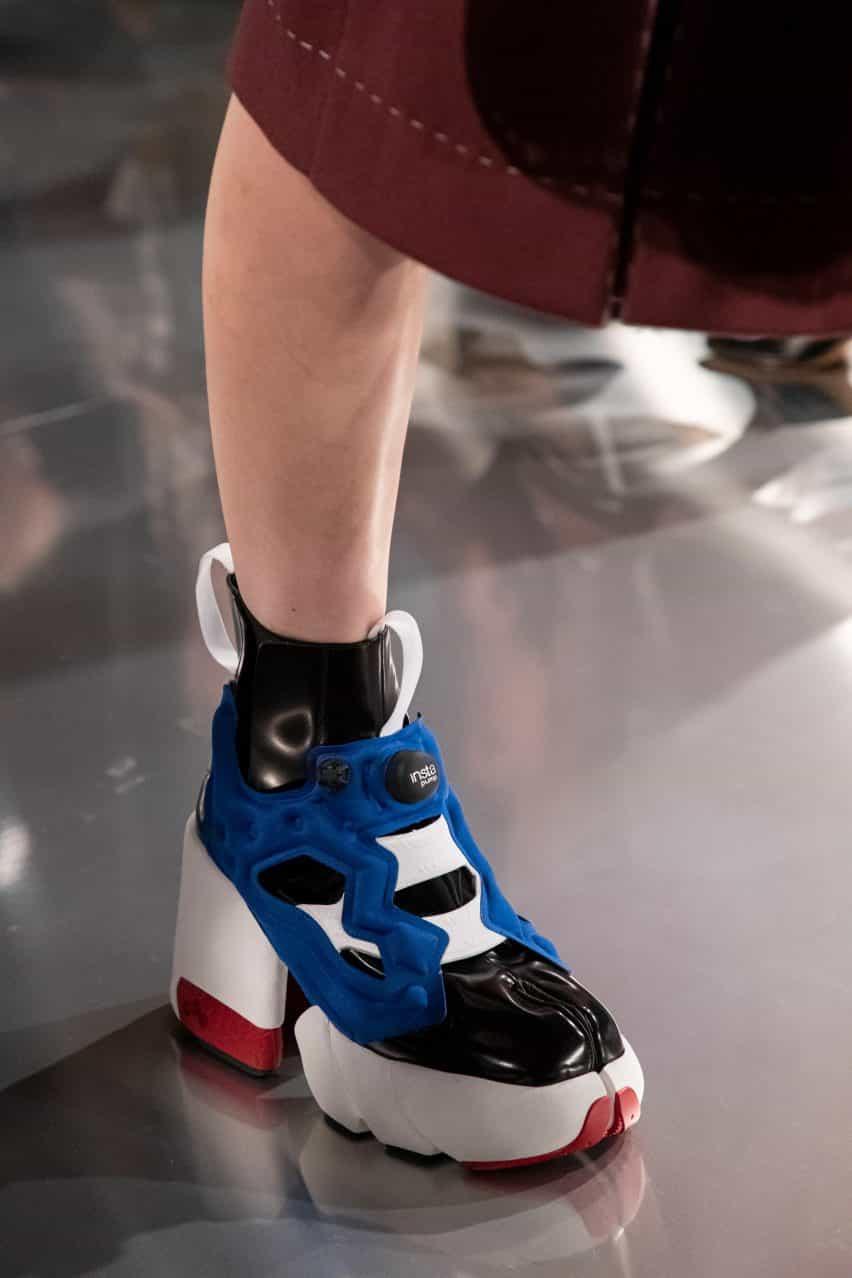 Maison Margiela y Reebok zapatillas de deporte diseño de la fractura-dedo del pie para la era digital