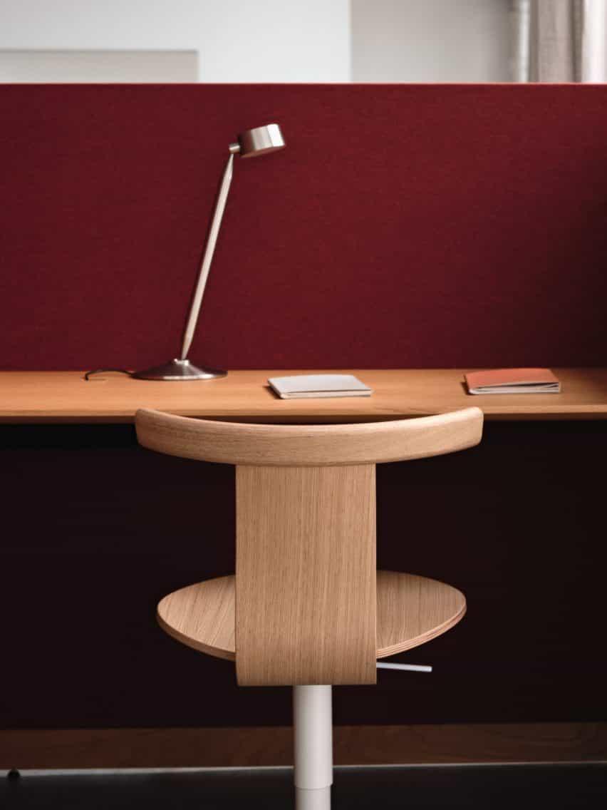 John árbol desafía el diseño de oficinas convencional con Jiro Silla giratoria de Residente