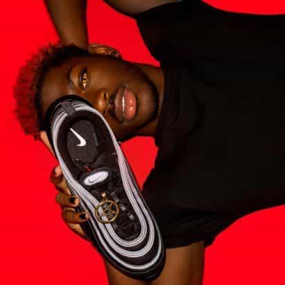Satan Shoes de Lil Nas X y MSCHF son Nikes que contienen sangre humana