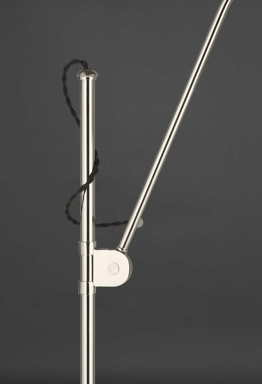lámpara de pie aniversario 90a Bestlite con cordón rizado