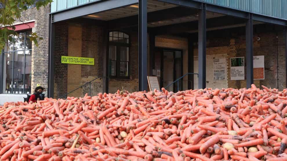 Es esta enorme montón de zanahorias de 2.020 obras de arte más polémico?