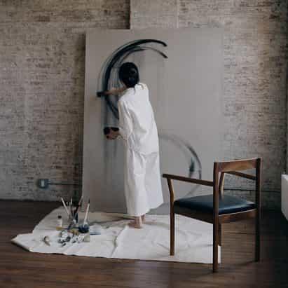Bowen Liu Estudio diseña colección de muebles para el pintor imaginario